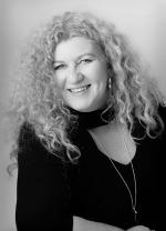 Author Lisa Ireland