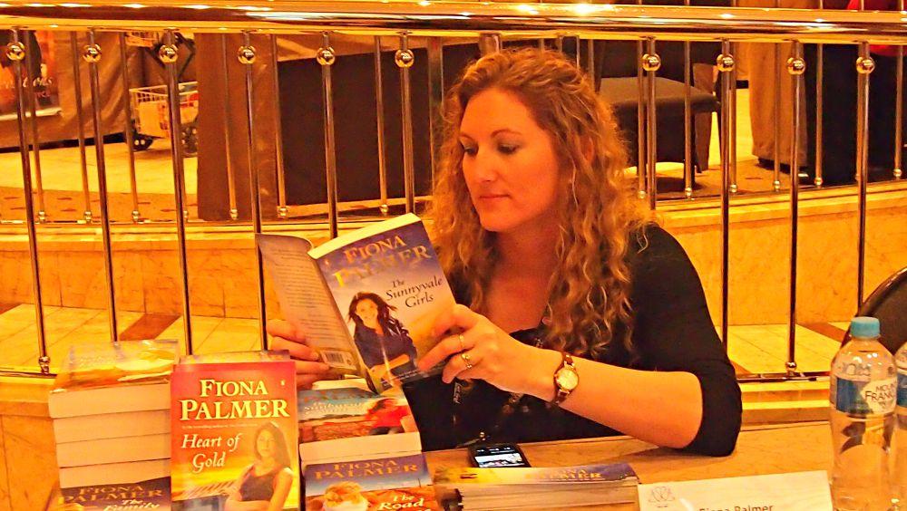 ARRA Booksigning - Fiona Palmer