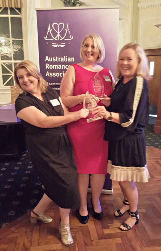 Cathryn, Shannon Curtis and Cathleen Ross at the ARR Awards