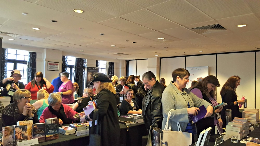 2016 ARRA booksigning - crowd shot