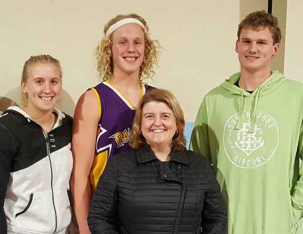 With my tall niece and nephews