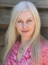 Author Anna Romer
