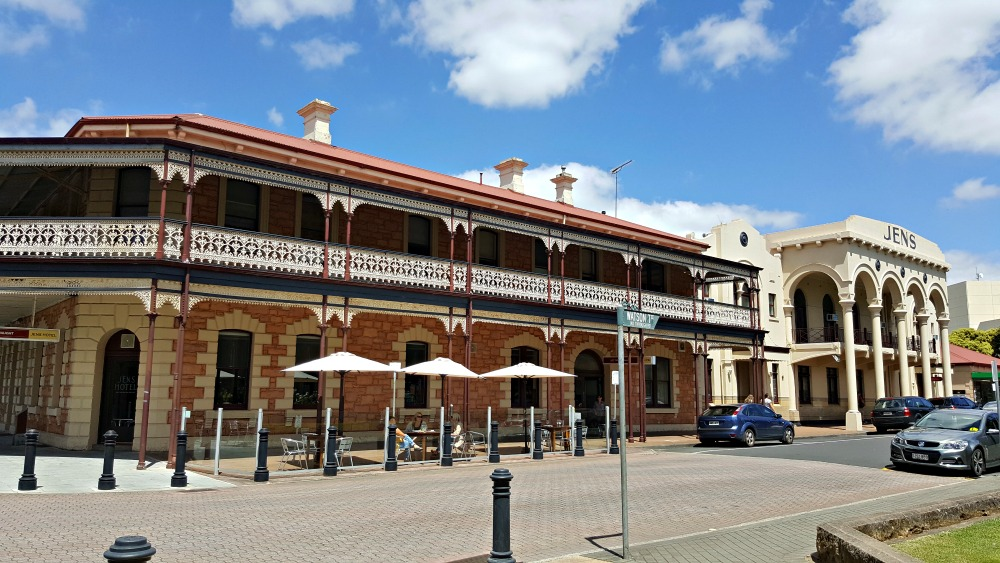 The western face of Jens Hotel, Mt Gambier.