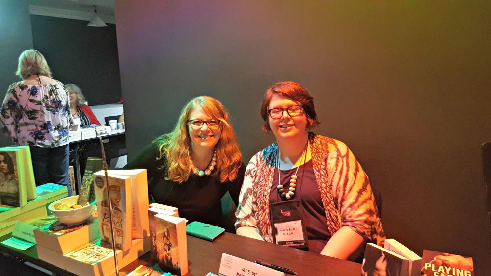 Victoria Purman and MJ Scott/Melanie Scott at ARRC17