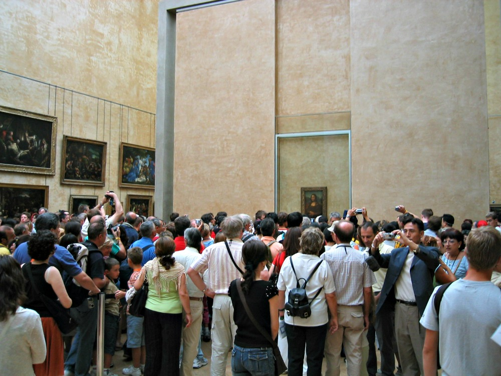 Crowds in front of the Mona Lisa, Louvre, 2005