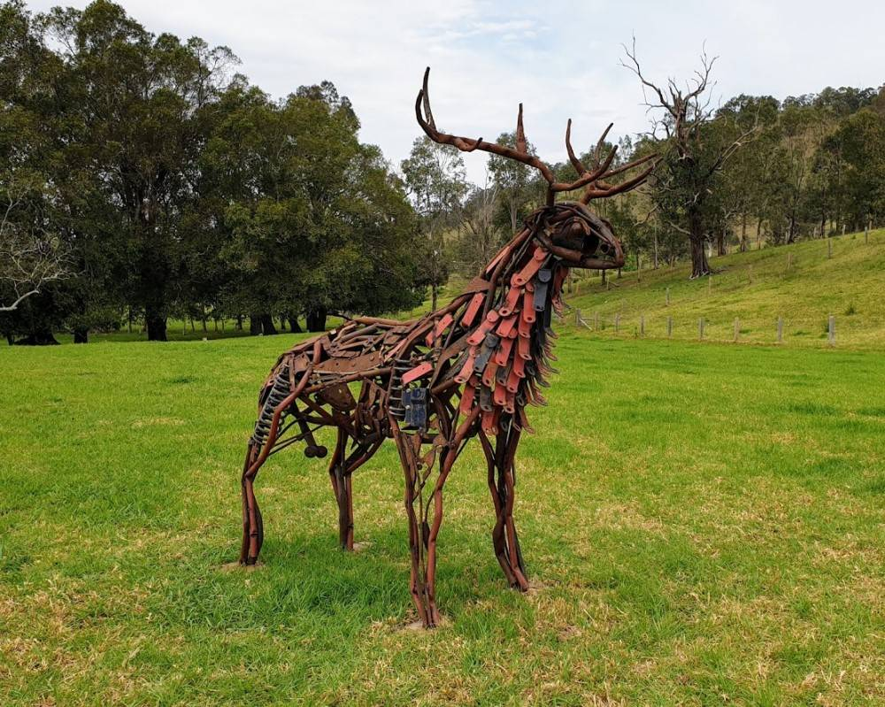 Sculpture on the Farm. Big Old Buck by Tobias Bennett.