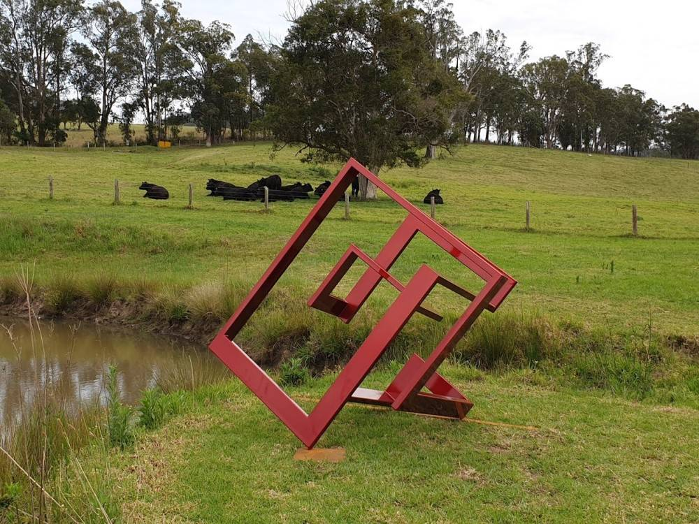 Sculpture on the Farm. Left, Right, Left by Ionas Kaltenbach.